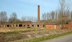 Vlasfabriek Sint Andries, Tragel, Koewacht