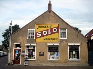 Solo-muurreclame in Dreischor