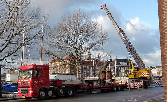 Vertrek stadskraan Middelburg voor opknapbeurt